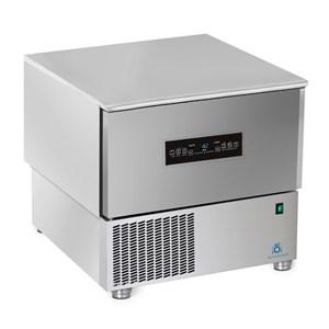 Abatidor de temperatura TOUCH - MOD.AB03 TH - TOUCH SCREEN - Enfriamiento por aire - Capacidad de bandejas: N. 3 x GN 1/1 (cm 53x32,5) o N. 3 cm 60x40 - Rendimiento enfriamiento: +70° +3° (Kg.15) - Rendimiento congelación: +70° -18° ( Kg 9 ) - Dim. exteriores cm L 75 x P 74 x h 75/78 - CE