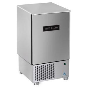 Abatidor de temperatura TOUCH - MOD.AB10 TH - TOUCH SCREEN - Enfriamiento por aire - Capacidad de bandejas: N.10 x GN 1/1 (cm 53x32,5) o N. 10 cm 60x40 - Rendimiento enfriamiento: +70° +3° (Kg.25) - Rendimiento congelación: +70° -18° ( Kg 15 ) - Dim. exteriores cm L 75 x P 74 x h 130/132 - CE